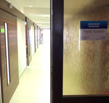 Foto 2_dvere na oddelenia sú od teraz kedykoľvek otvorené