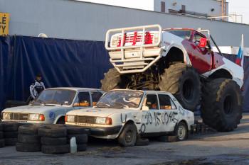 Monster truck auto show Zvolen 2015 | BBonline.sk, ZVonline.sk