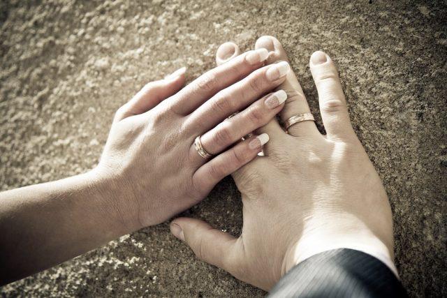 a75272193 Ako vybrať ten správny zásnubný prsteň?